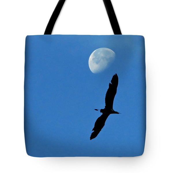 Tote Bag featuring the photograph Egret Flight by Charlotte Schafer