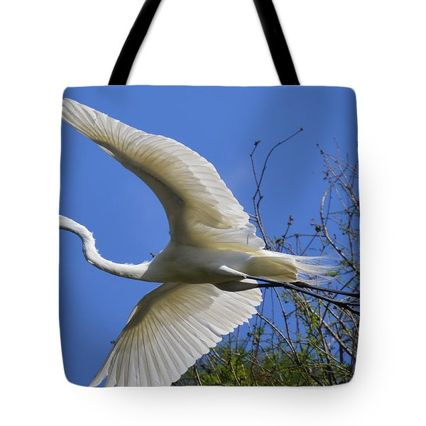 Egret Flying Tote Bag
