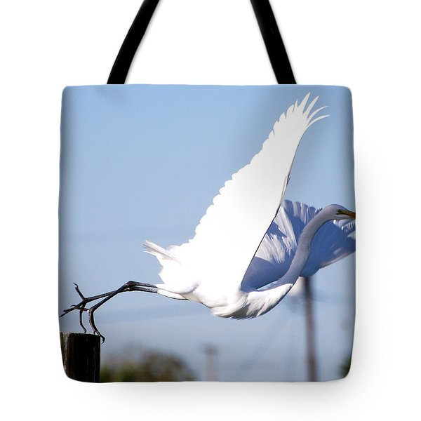 Tote Bag featuring the photograph Egret In Flight by Linda Cox
