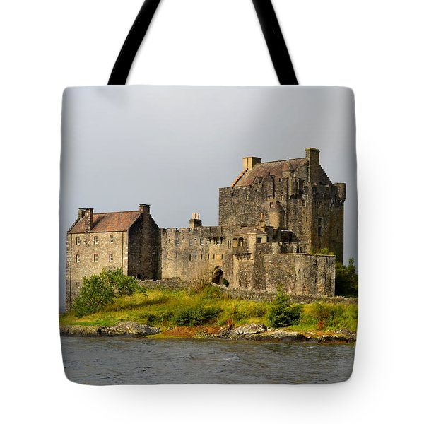 Eilean Donan Castle In Scotland Tote Bag