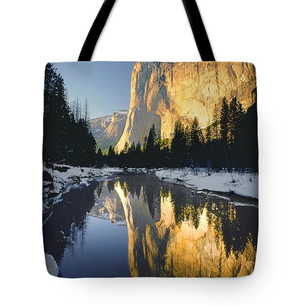 2m6542-el Cap Reflect Tote Bag