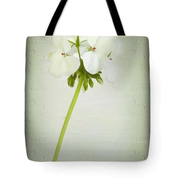Tote Bag featuring the photograph Eleanor by Elaine Teague