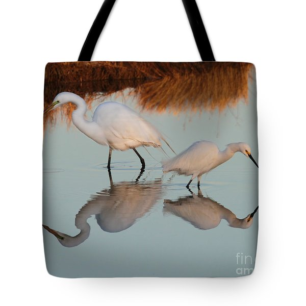 Elegant Big And Small Great White And Snowy Egrets Tote Bag
