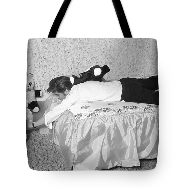 Elvis Presley At Home With His Teddy Bears 1956 Tote Bag