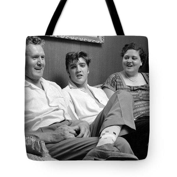 Elvis Presley At Home With Vernon And Gladys 1956 Tote Bag