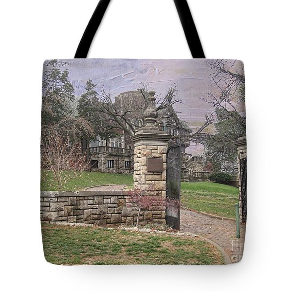 Epperson House House On The Hill Tote Bag by Liane Wright
