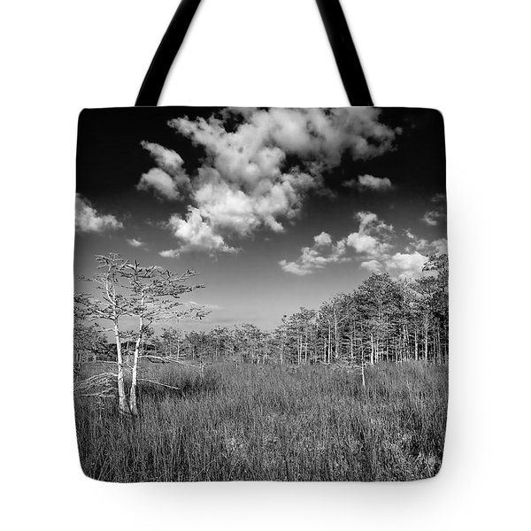 Everglades 9574bw Tote Bag