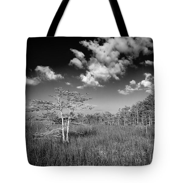 Everglades 9574bw Tote Bag