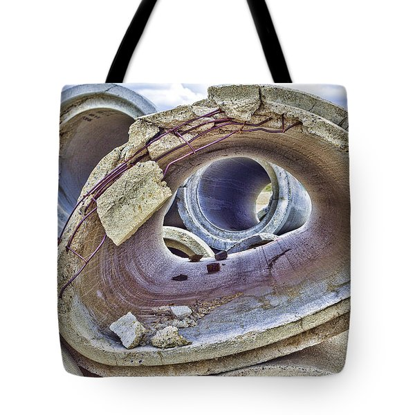 Eye Of The Saur 2 Tote Bag