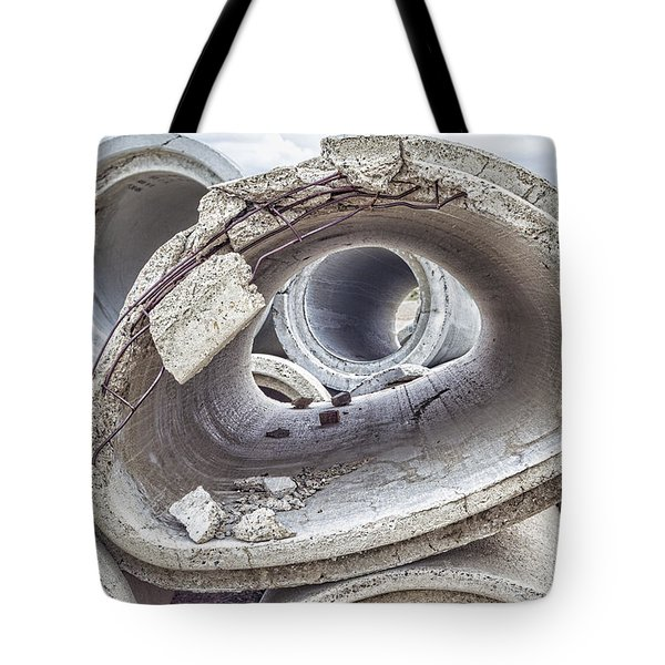 Eye Of The Saur Tote Bag