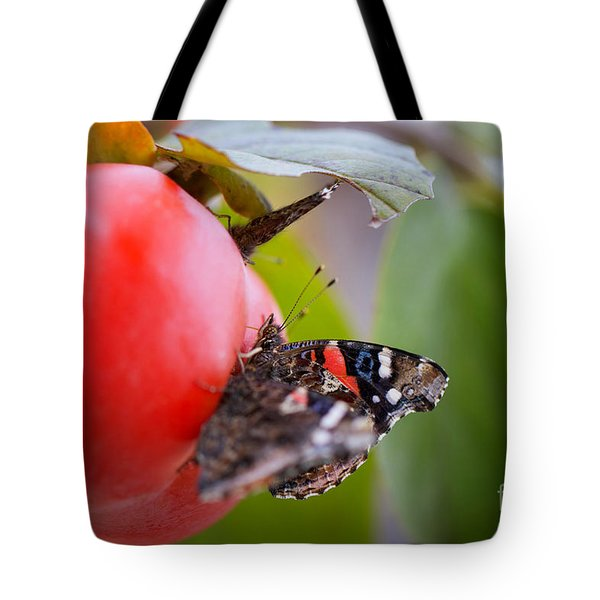Tote Bag featuring the photograph Feeding Time by Erika Weber