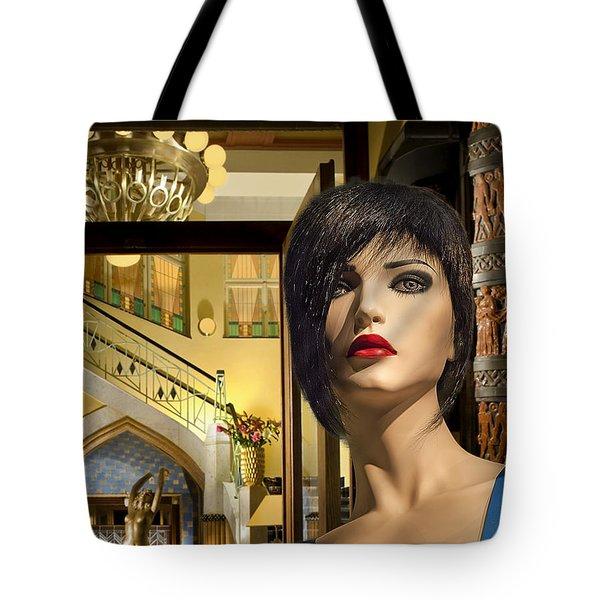 Fiona Arrives In Prague Tote Bag