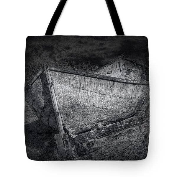 Fishing Boat On Shore In Black And White Tote Bag by Randall Nyhof