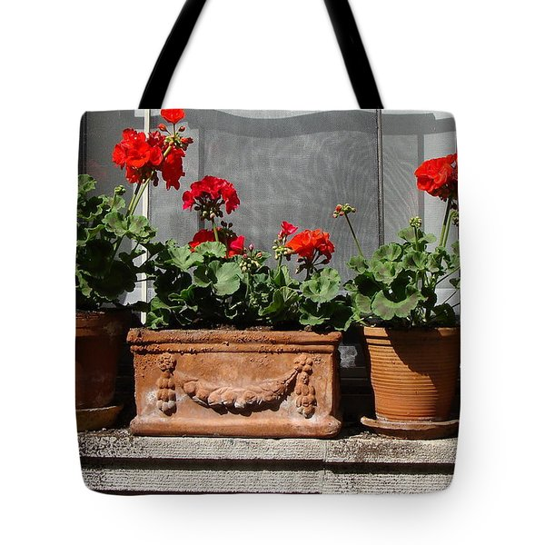 Tote Bag featuring the photograph Flowers Of New York by Ira Shander