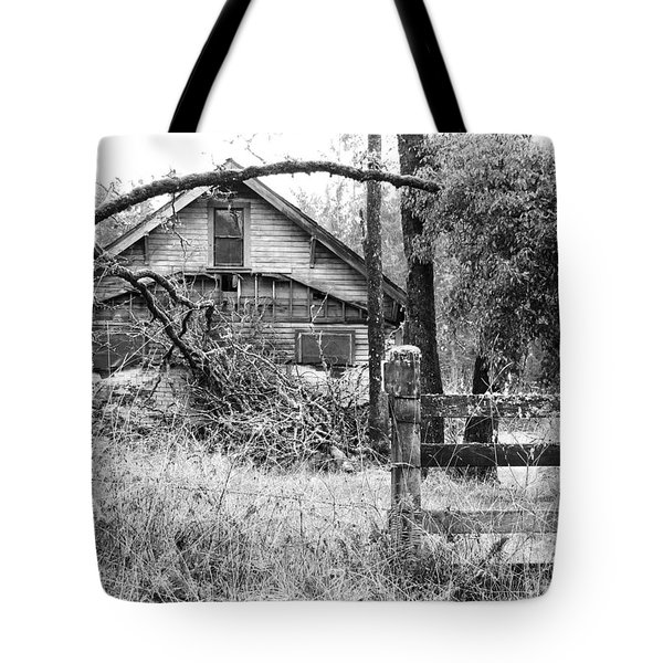 Forgotten Dreams - Bw Tote Bag by Rory Sagner