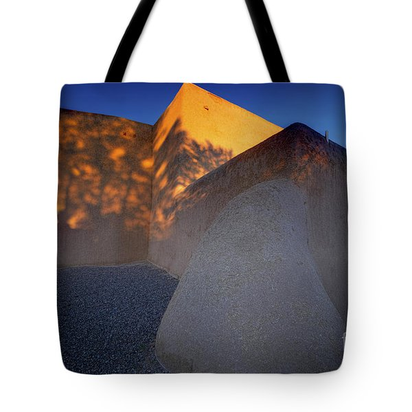 Form And Shadow--san Francisco De Asis - Color Tote Bag