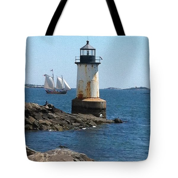 Tote Bag featuring the photograph Fort Pickering Light by Denyse Duhaime