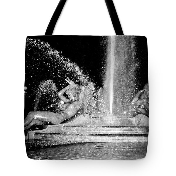 Fountain At Logan Square Tote Bag