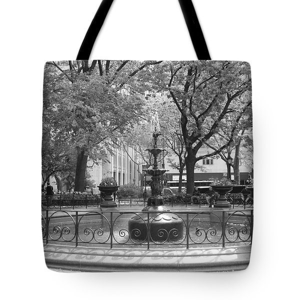 Fountain Time Tote Bag