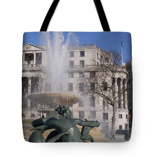 Fountains In Trafalgar Square Tote Bag