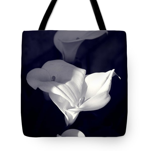 Tote Bag featuring the photograph Four Calla Lilies In Shade by Richard J Thompson