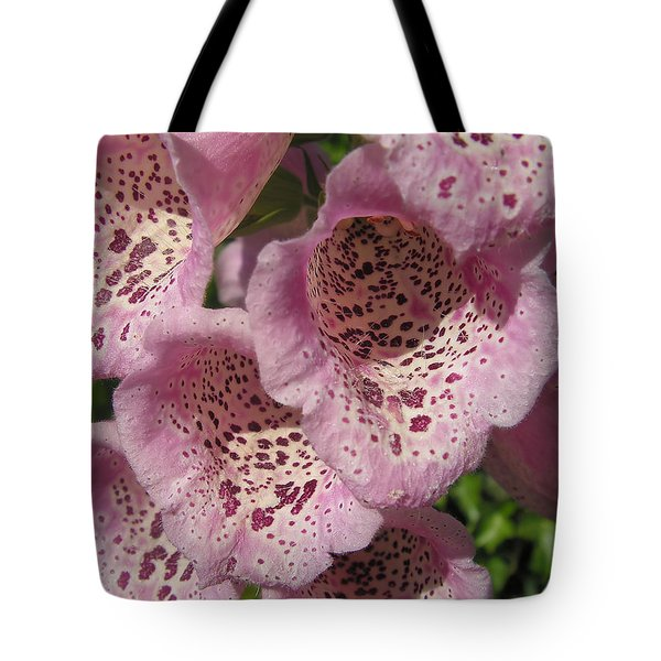 Tote Bag featuring the photograph Speckled by Cheryl Hoyle