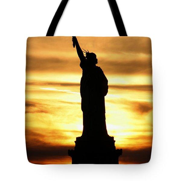 Statue Of Liberty Silhouette Tote Bag