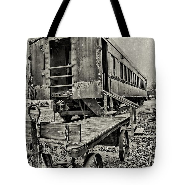 Tote Bag featuring the photograph Frisco by Lana Trussell