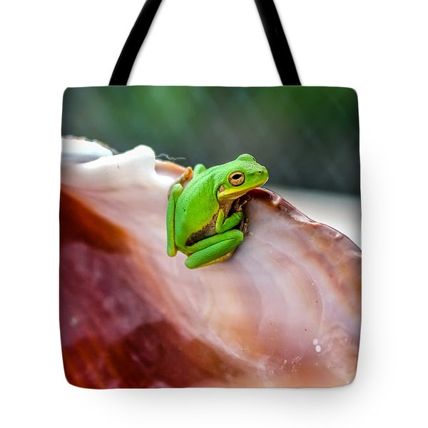 Tote Bag featuring the photograph Frog In A Cockle by Rob Sellers