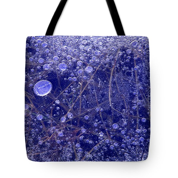 Tote Bag featuring the photograph Frozen Bubbles In The Merced River Yosemite Natioinal Park by Dave Welling