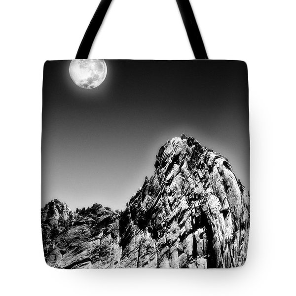 Full Moon Over The Suicide Rock Tote Bag by Ben and Raisa Gertsberg