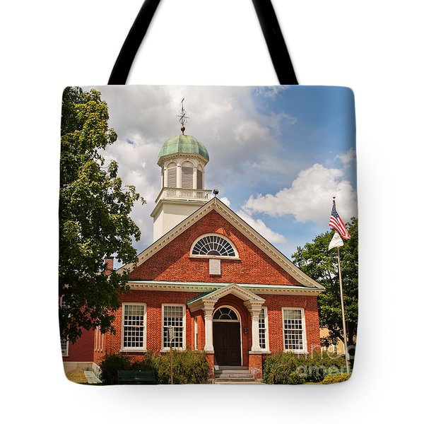 Tote Bag featuring the photograph Fulton County Court House by Sue Smith