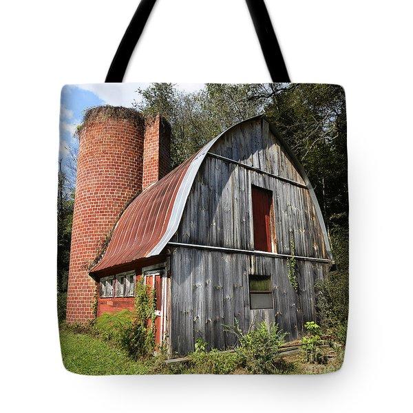 Gambrel-roofed Barn Tote Bag by Paul Mashburn