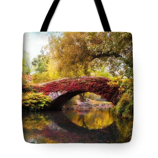 Tote Bag featuring the photograph Gapstow Bridge  by Jessica Jenney