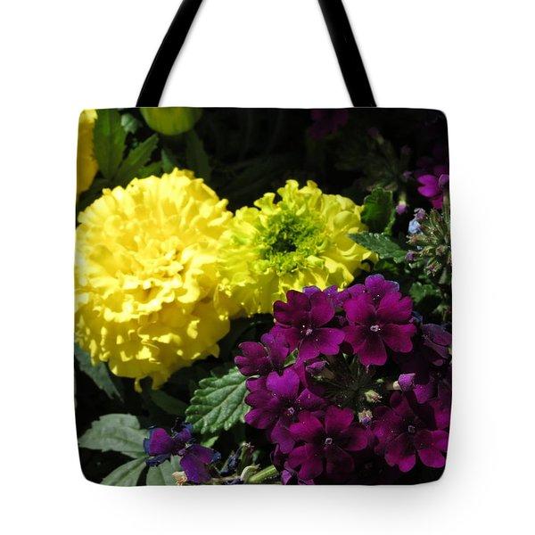 Garden Contrast Tote Bag