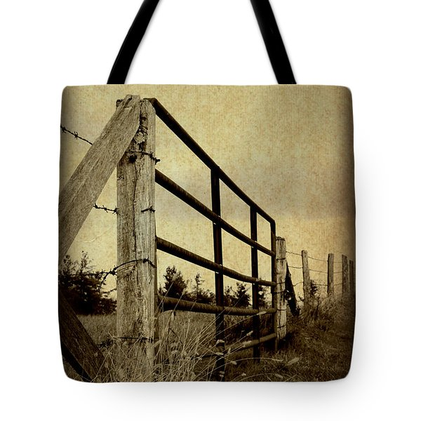 Gated Field Tote Bag