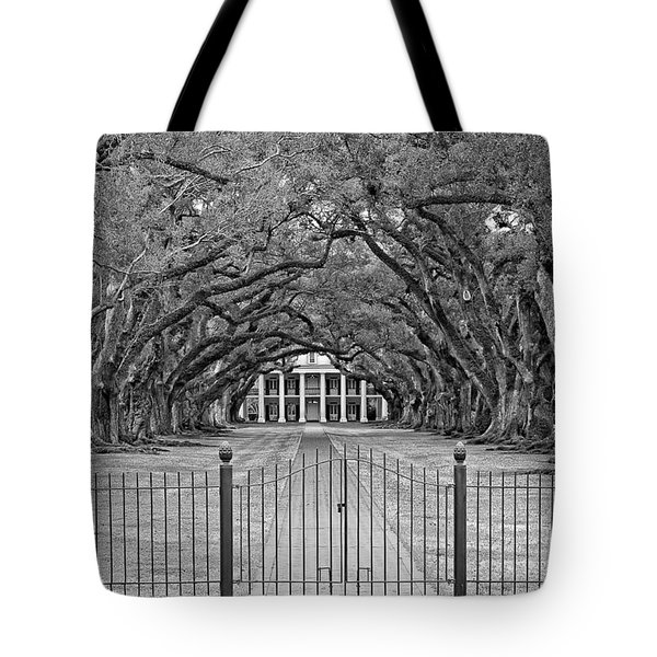 Gateway To The Old South Monochrome Tote Bag by Steve Harrington