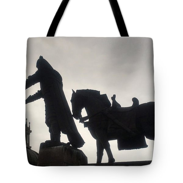 Gediminas Statue In Vilnius At Sunset Tote Bag
