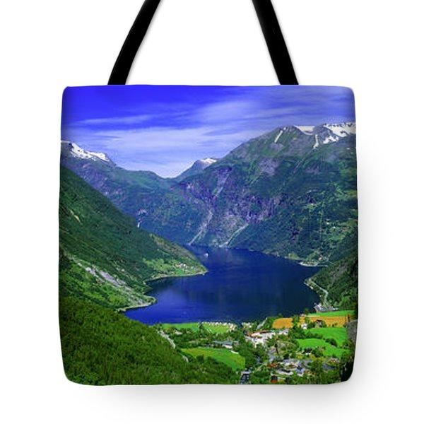Geirangerfjord, Flydalsjuvet, More Og Tote Bag