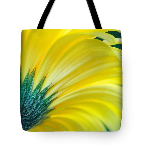 Tote Bag featuring the photograph Gerber Daisy by Garvin Hunter