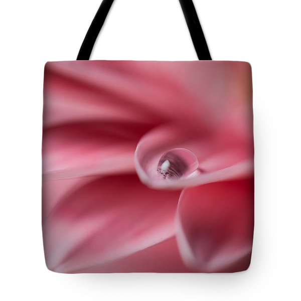 Gerbera With Water Droplet Tote Bag
