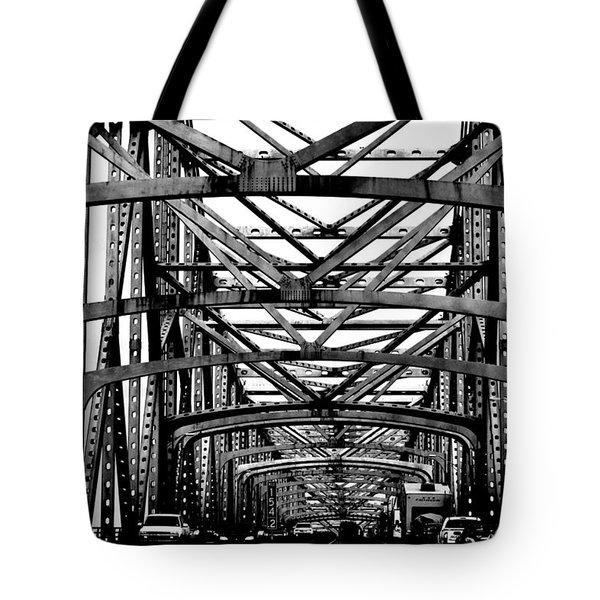 Girders Over The Mississippi In Black And White Tote Bag
