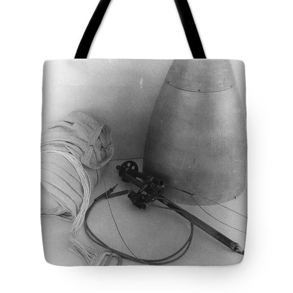 Goddards Rocket Components 1935 Tote Bag by Science Source