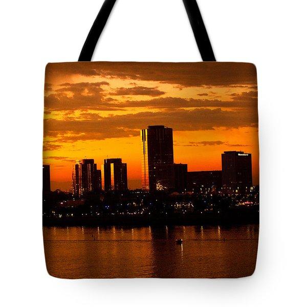 Golden Skys Cloak The Long Beach Skyline Tote Bag