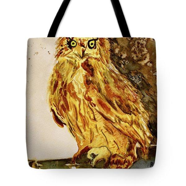 Goldene Bier Eule Tote Bag by Beverley Harper Tinsley