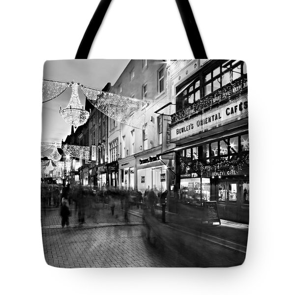 Grafton Street At Night / Dublin Tote Bag
