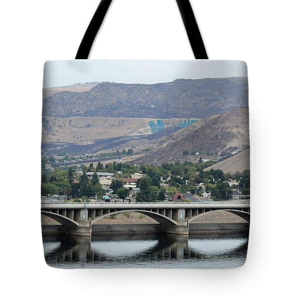 Grand Coulee Dam  Tote Bag by E Faithe Lester