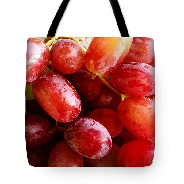 Grapes Tote Bag by Les Cunliffe