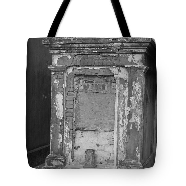 Tote Bag featuring the photograph Grave I by Beth Vincent