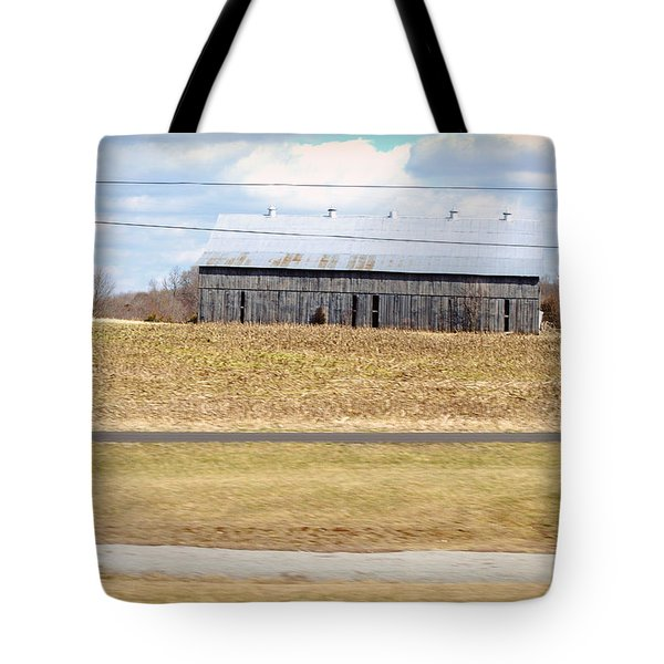 Gray Barn In A Cornfield Tote Bag by Paulette B Wright